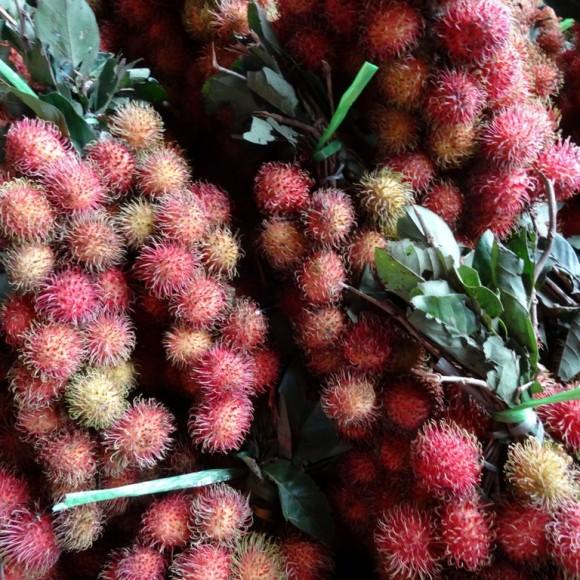 """fruits vendus en """"bouquet"""" en Indonésie"""